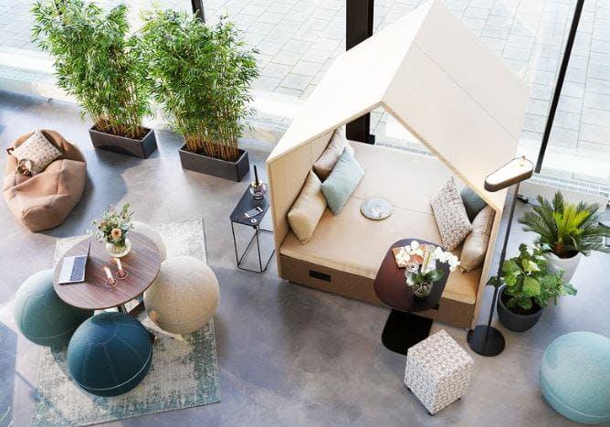 The Hut Lounge num 6