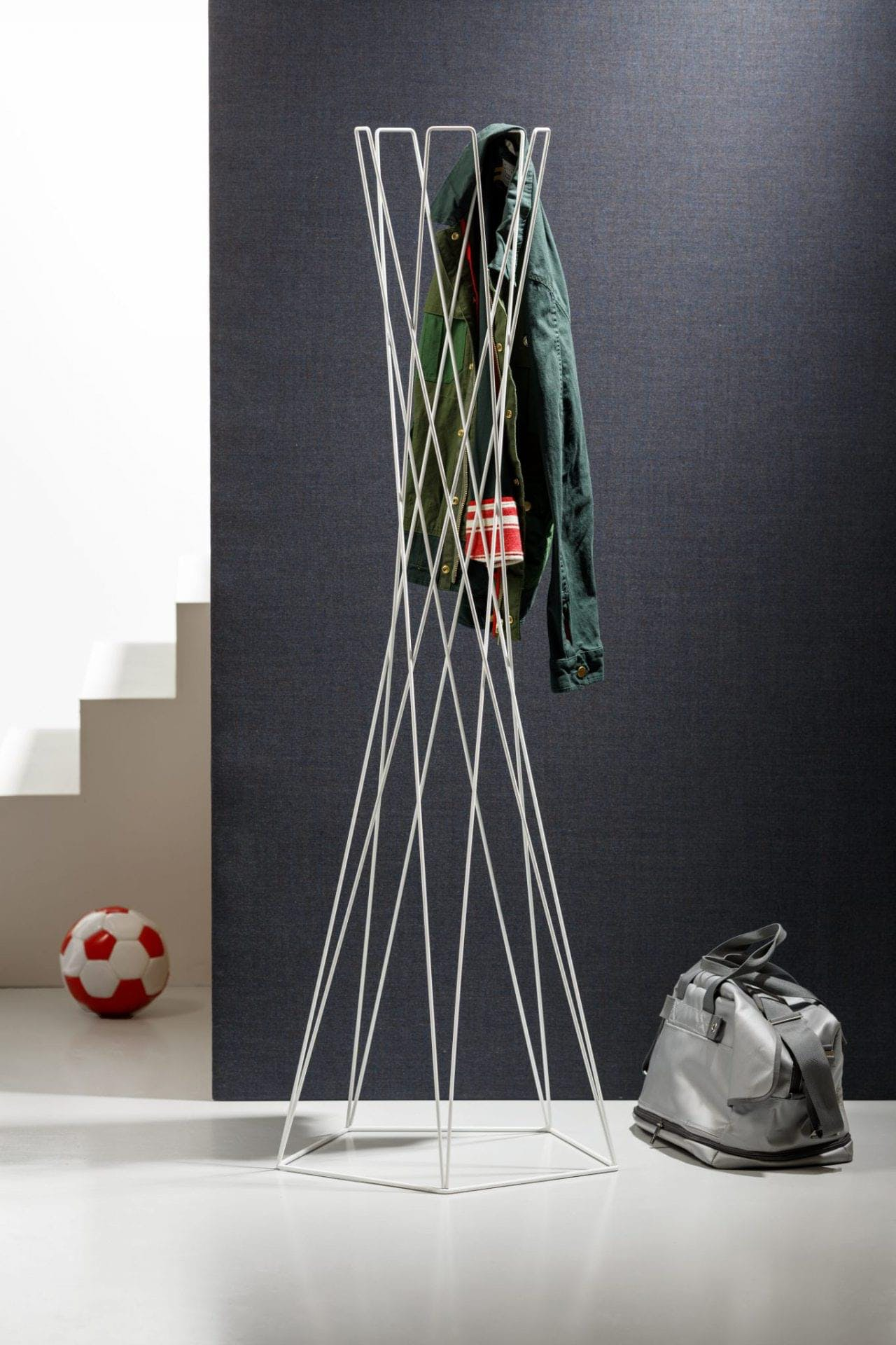 Basket Coat Stand num 3