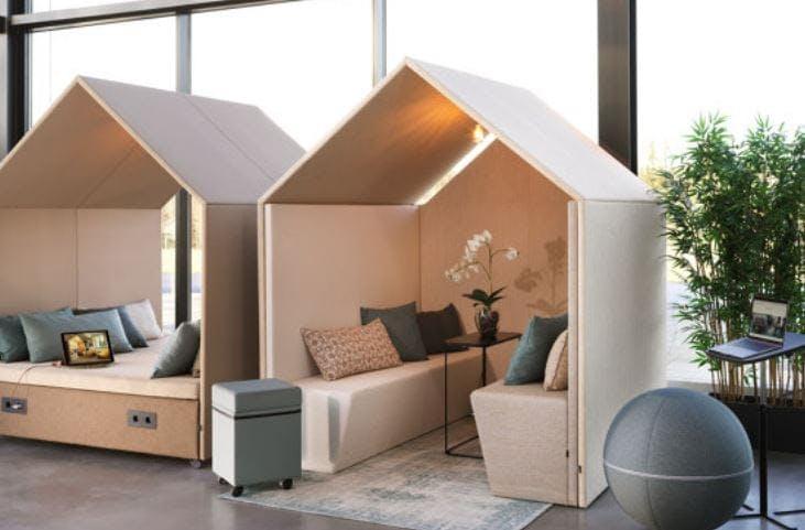 The Hut Lounge num 4