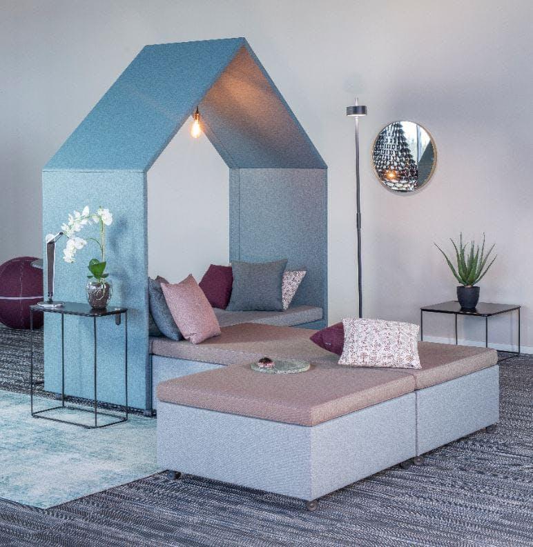 The Hut Lounge num 3