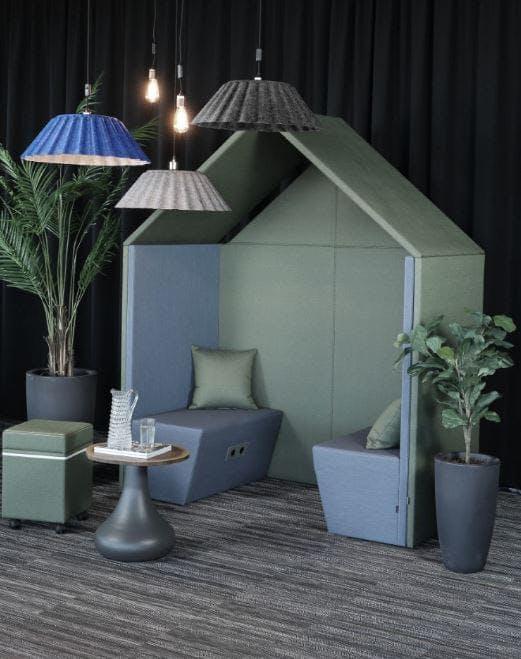 The Hut Lounge num 2