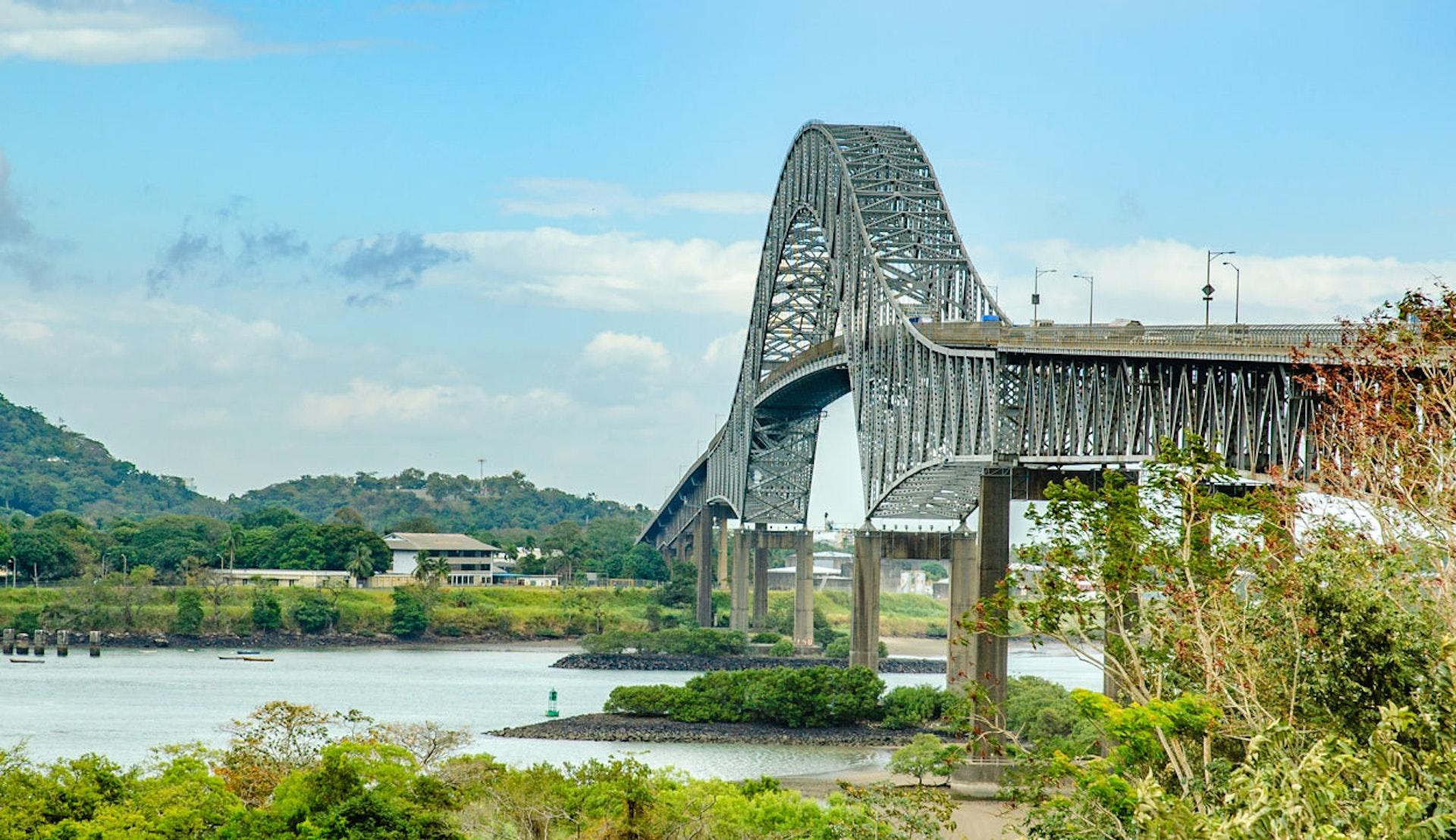 The Bridge of the Americas, vid Panamakanalens mynning i Stilla havet.