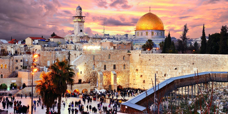 Jerusalem vackert kvällsupplyst.
