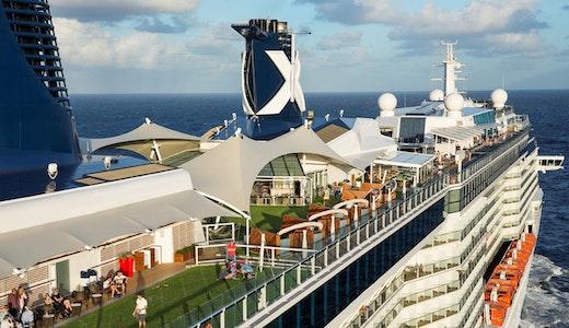 Ett av Celebrity Cruises fartyg.