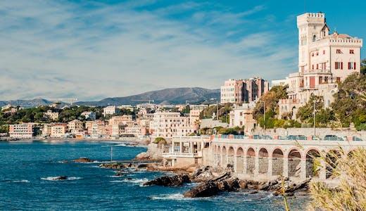 Vackra hamnstaden Genua i Italien.