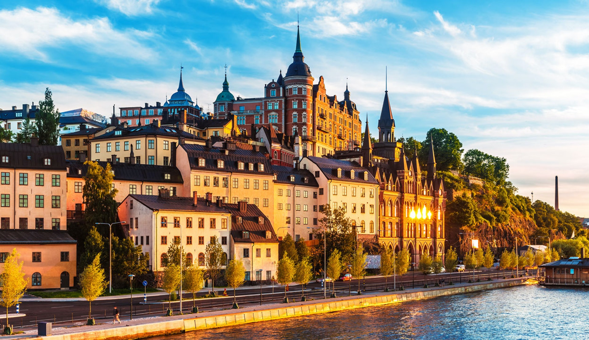Solnedgång över Mariaberget på Södermalm i Stockholm.