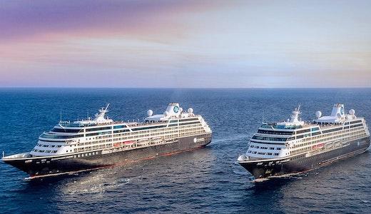 Två av Azamaras fartyg ute till havs.