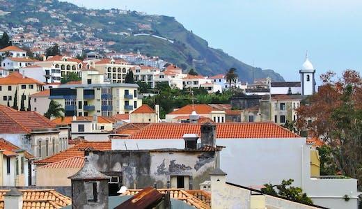 Vy över Funchal på Madeira i Portugal.