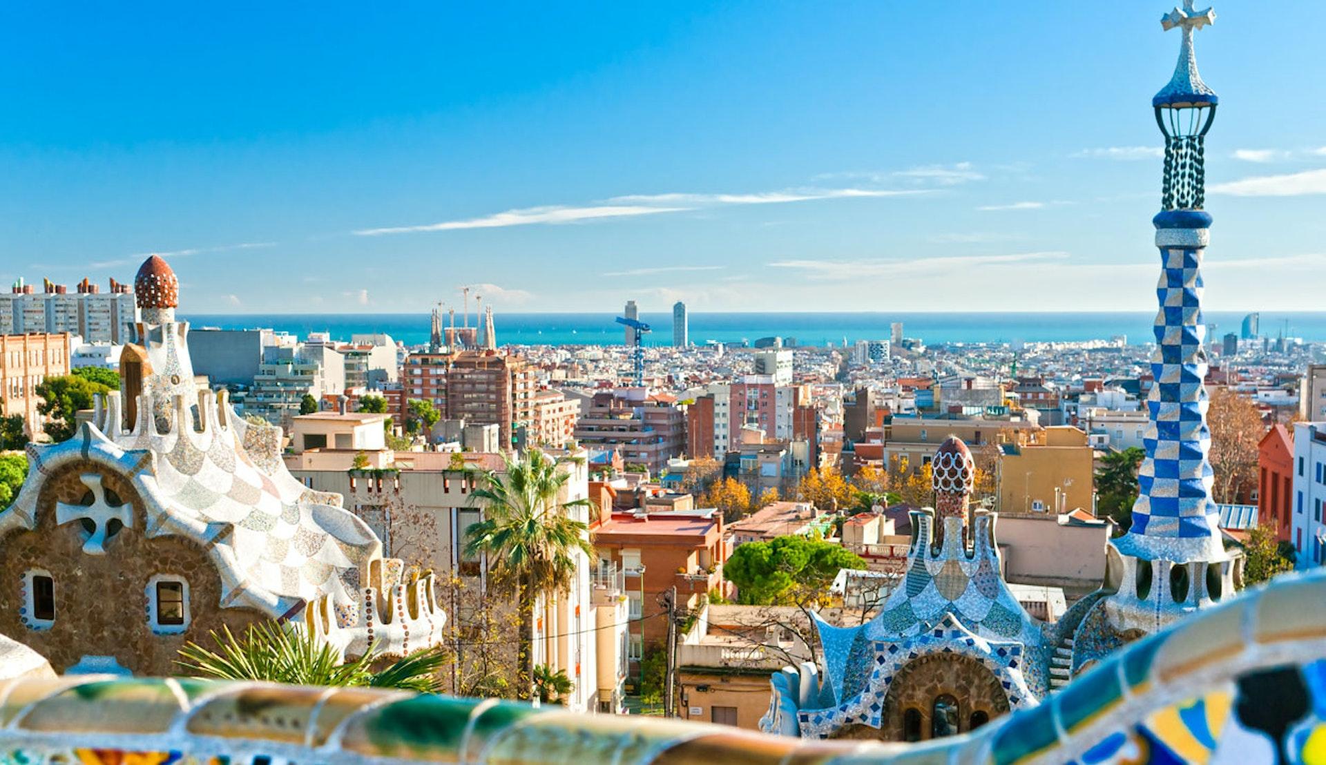 Solig vy över Barcelona i Spanien.
