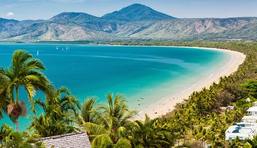 Fantastiska stranden i Port Douglas, Australien.