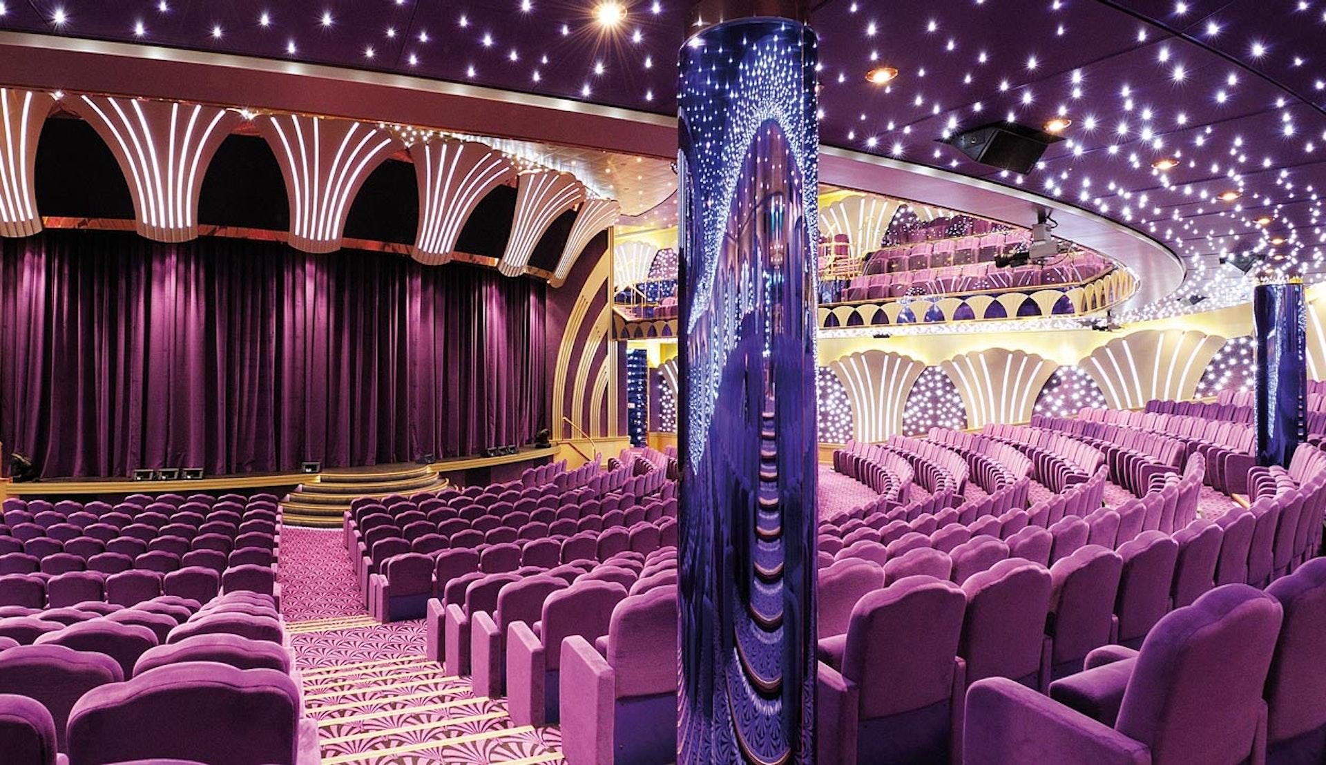 Teatern ombord på MSC Poesia.