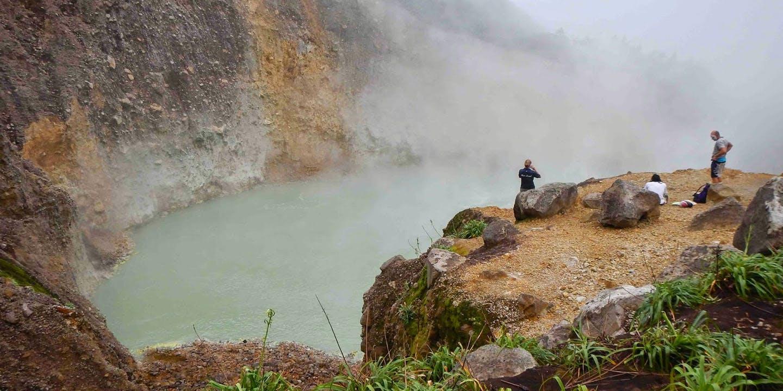Boiling Lake på Dominica.