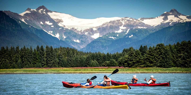 Roliga utflykter i Alaskas vilda omgivningar.