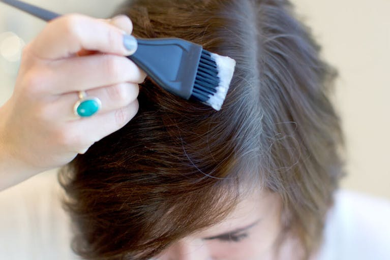8 Pro Tips For Covering Gray Hair At Home