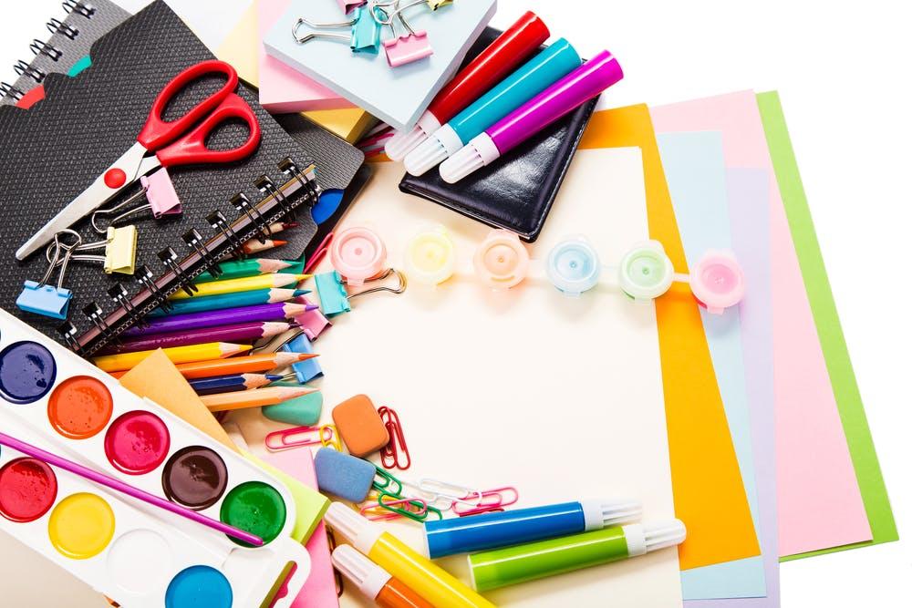 Mudança de hábito: eis que o material escolar chega antes do presente de Natal!