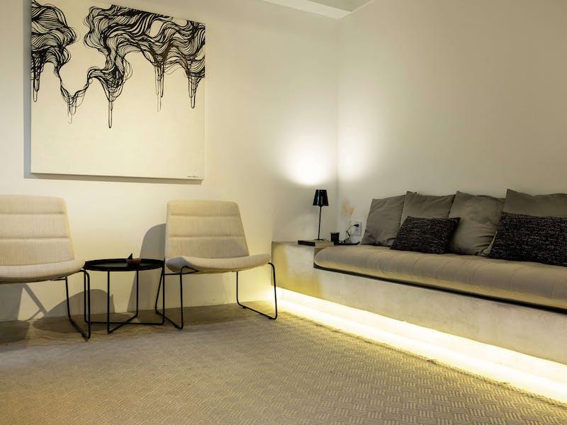 Sala de living na casa de eventos da EWZ Capital