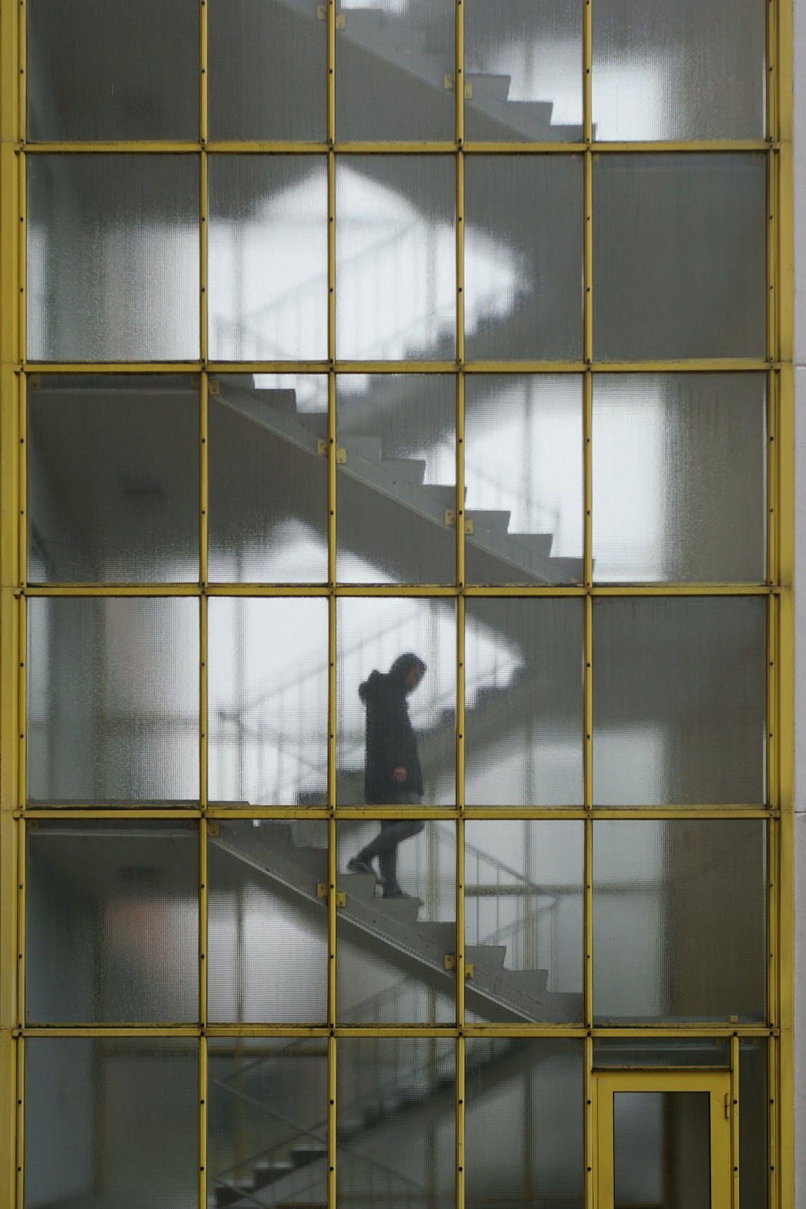 Altonaer Str. 7 Transparent Staircase