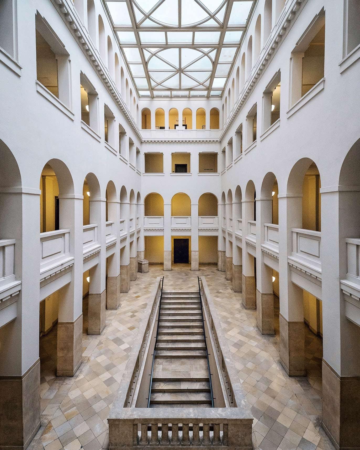 Peter-Behrens-Haus Behrensbau Hallway
