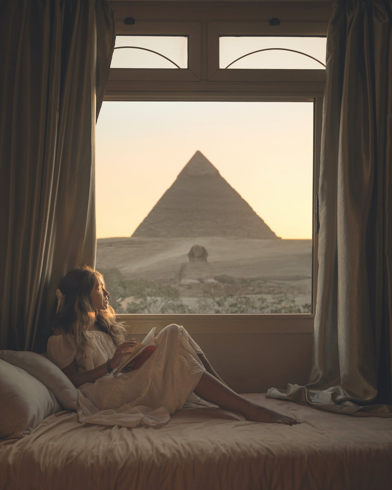 Guardian Guest House view of Great Sphinx of Giza & Pyramid of Khafre