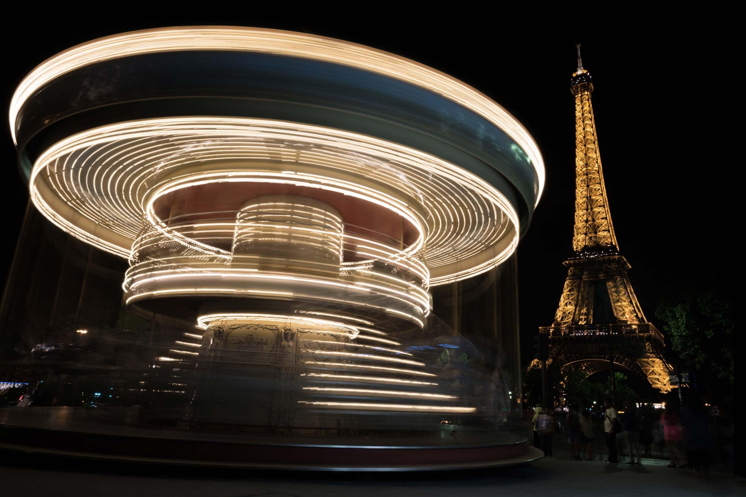 Le Kiosque du Carrousel view of the Eiffel Tower
