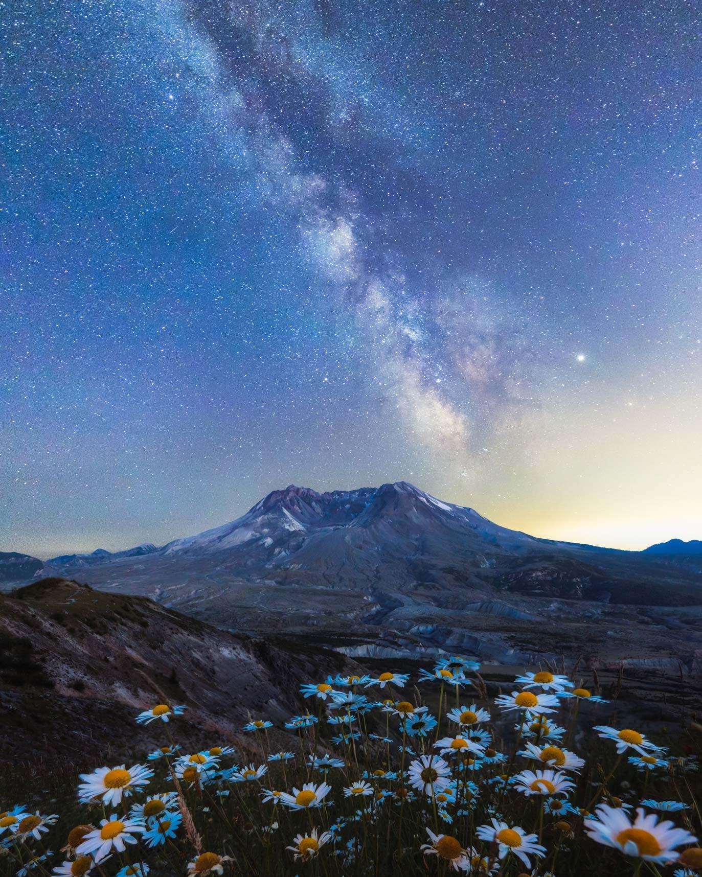 Johnston Ridge view of Mount St. Helens Milky Way