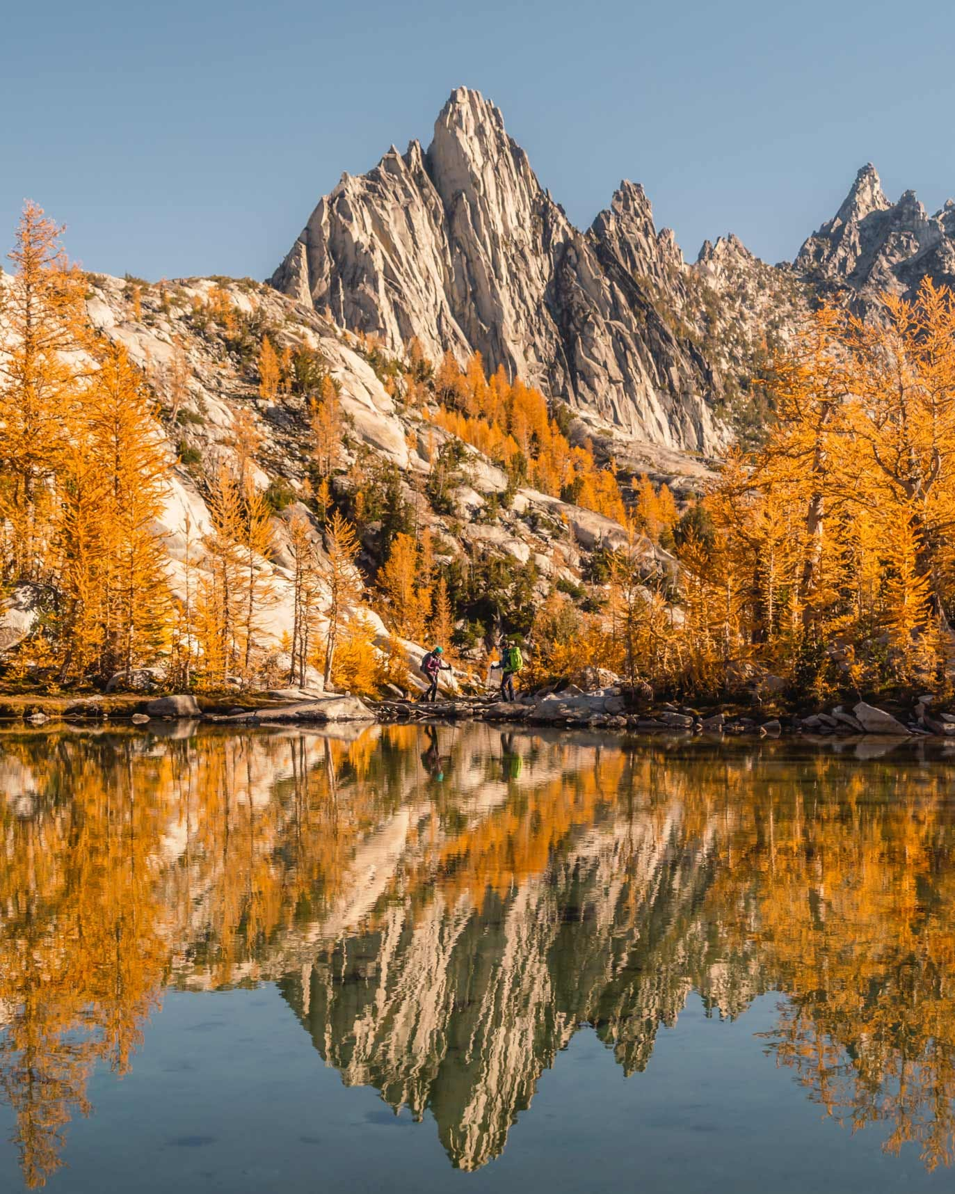Sprite Lake & Prusik Peak in The Enchantments