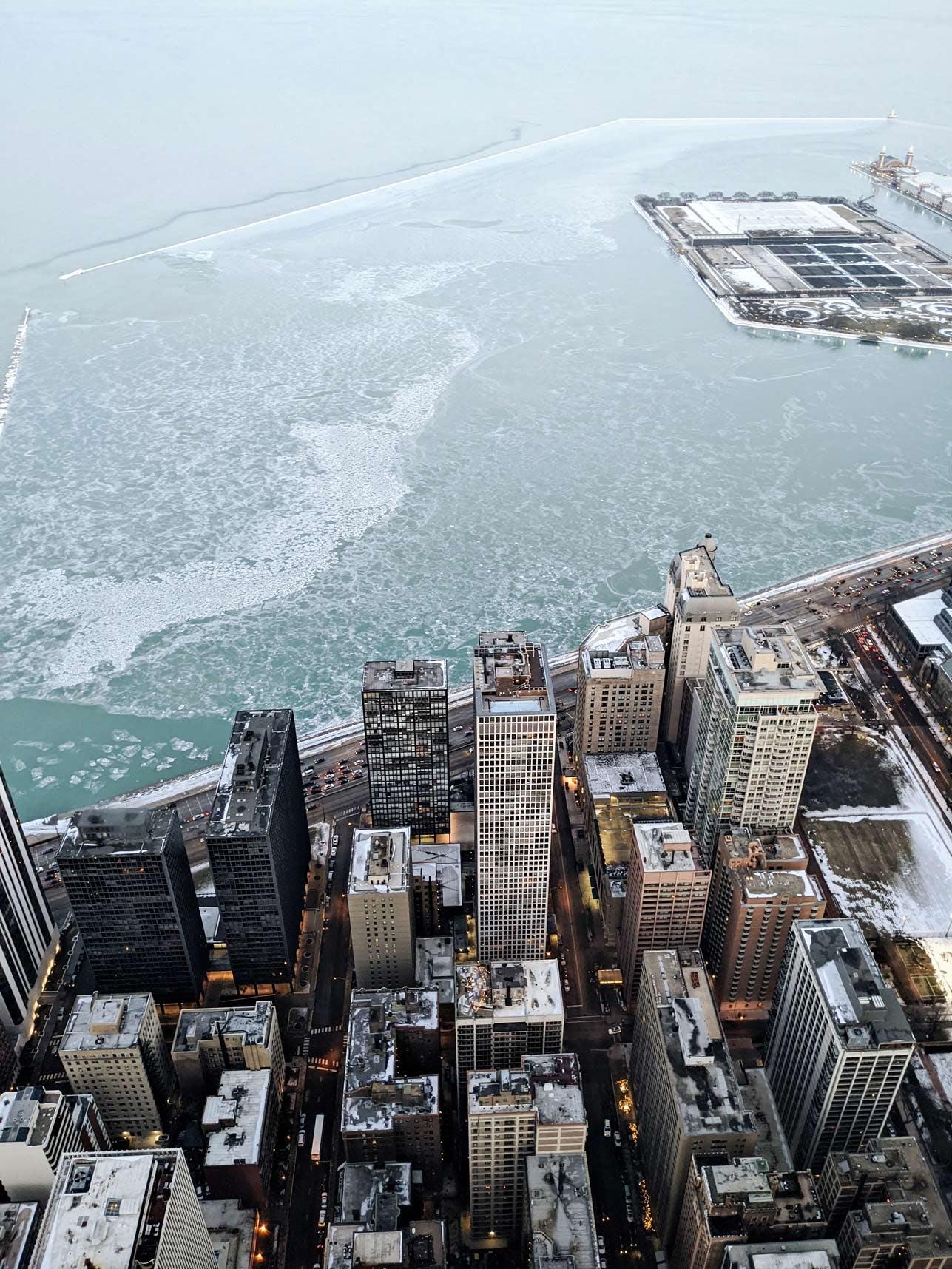 360 Chicago view of the Skyline & Lake Michigan