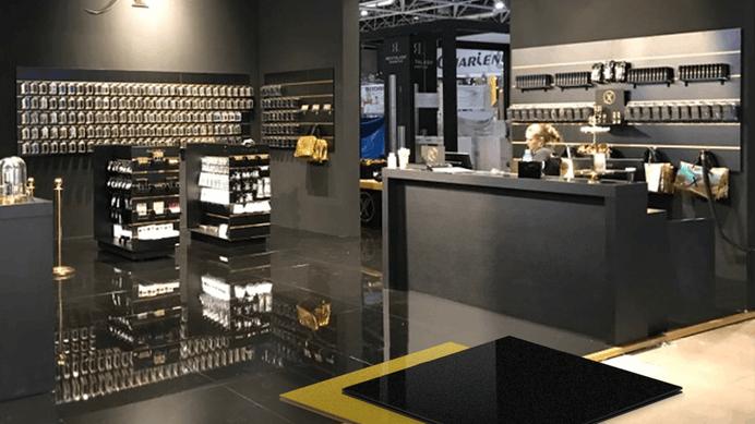 Vloerplaten standbouw metallic lak en high resistance