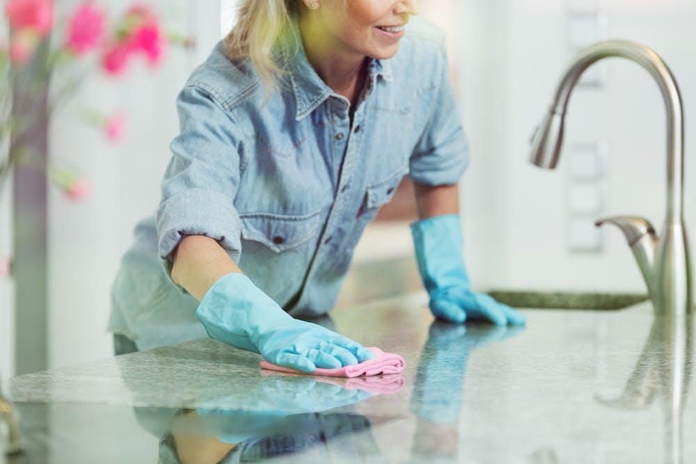 clean kitchens, clean kitchen cabinets