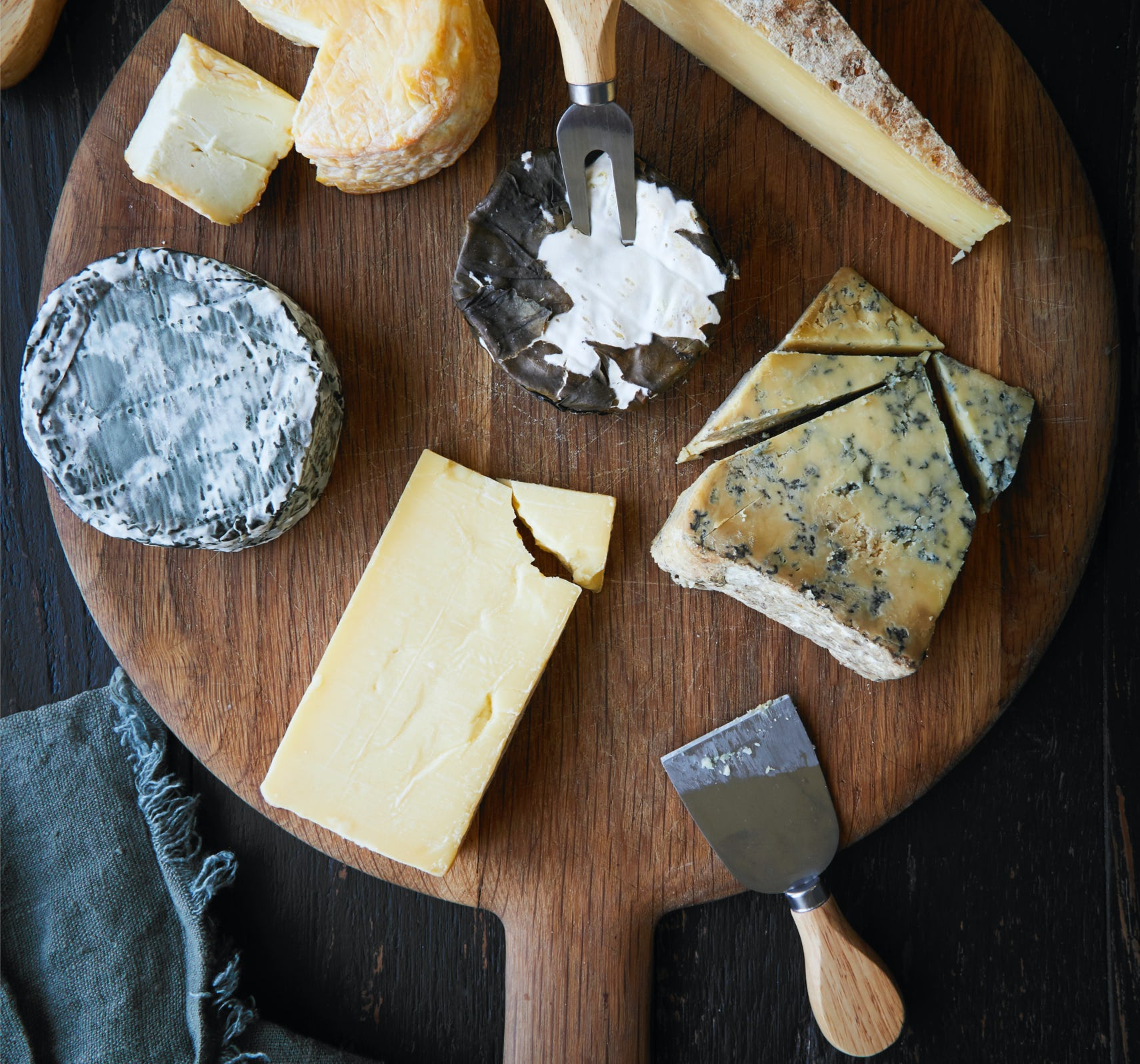 Build the ultimate cheeseboard