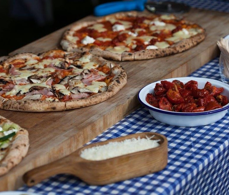Pizza wedding catering