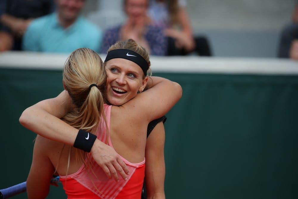 Safarova Cibulkova hug