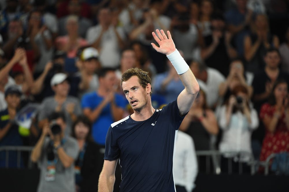 Andy Murray waving goodbye to the fans at the 2019 Australian Open