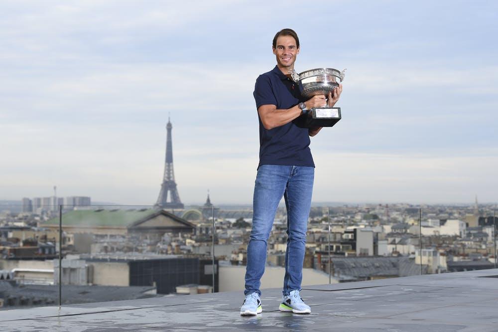 Rafael Nadal sur le toit des Galeries Lafayette au lendemain de son 13e sacre à Roland-Garros 2020