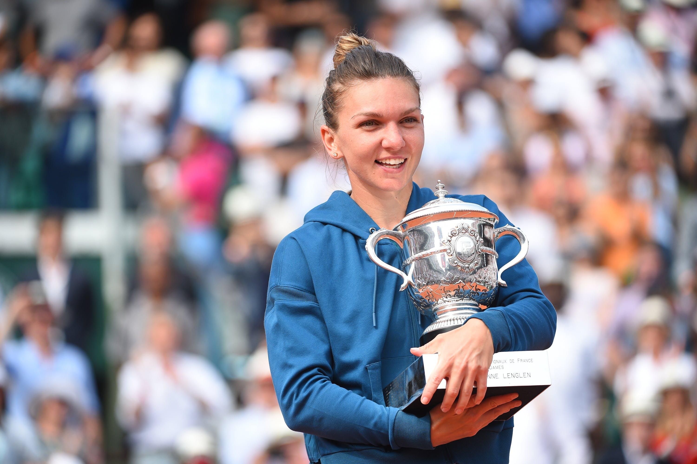 Simona Halep lors de la remise du trophée en 2018