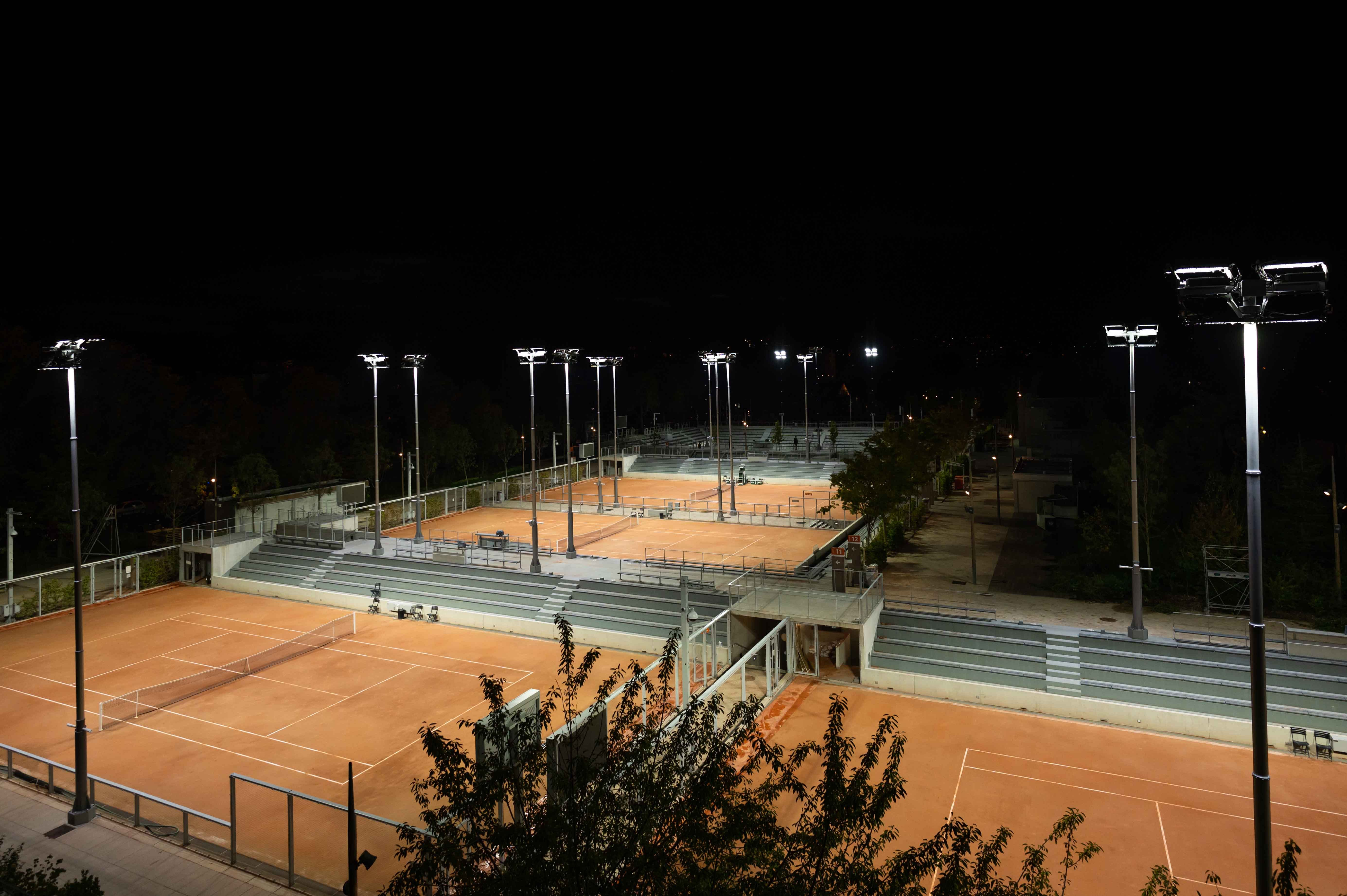 The Fonds des Princes courts at night, September 2020