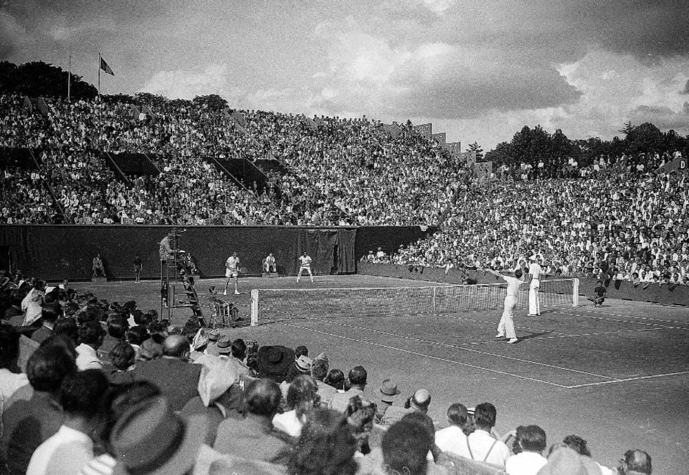 Marcel Bernard Yvon Petra finale double Roland-Garros 1946 contre Morea et Segura / Bernard and Petra, 1946 men's doubles final French Open (vs Morea and Segura).