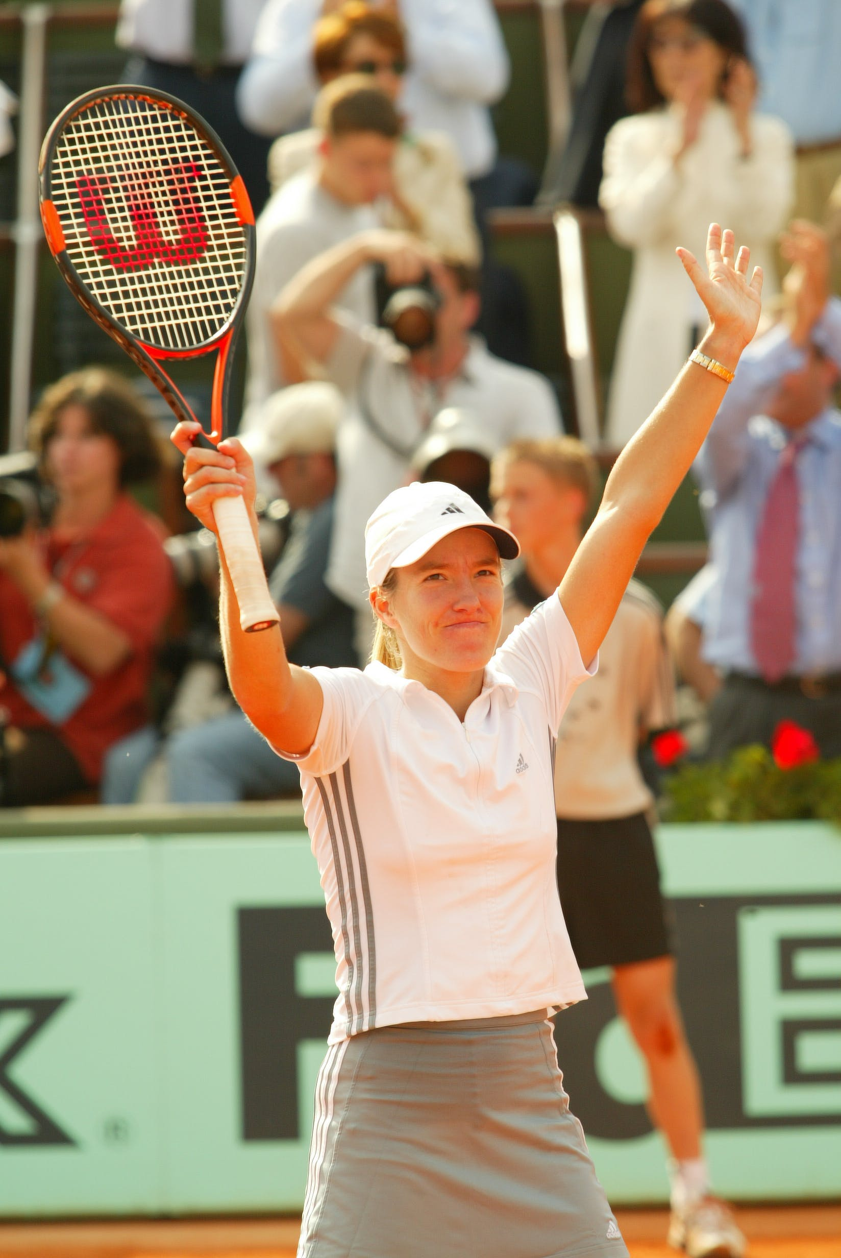 Justine Henin after her victory against Serena Williams at Roland-Garros 2003