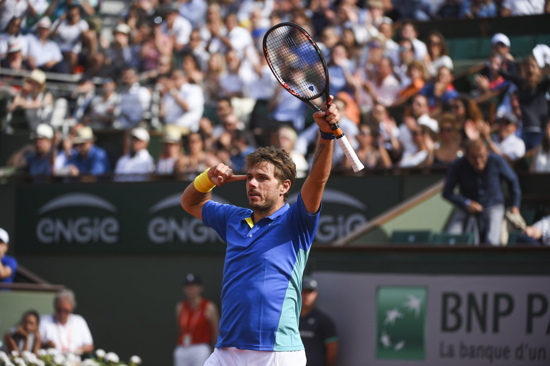 Stan Wawrinka & the crowd at Roland-Garros