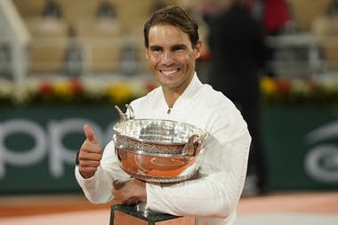 Rafael Nadal thumbs up, Roland Garros 2020