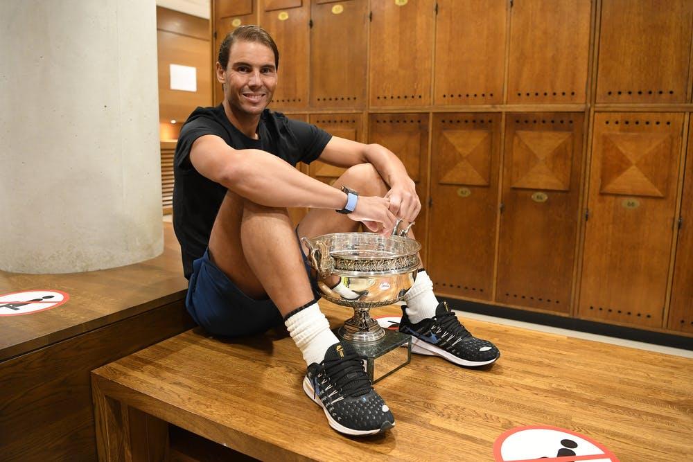 Roland Garros 2020, Rafael Nadal, locker room, trophy shoot