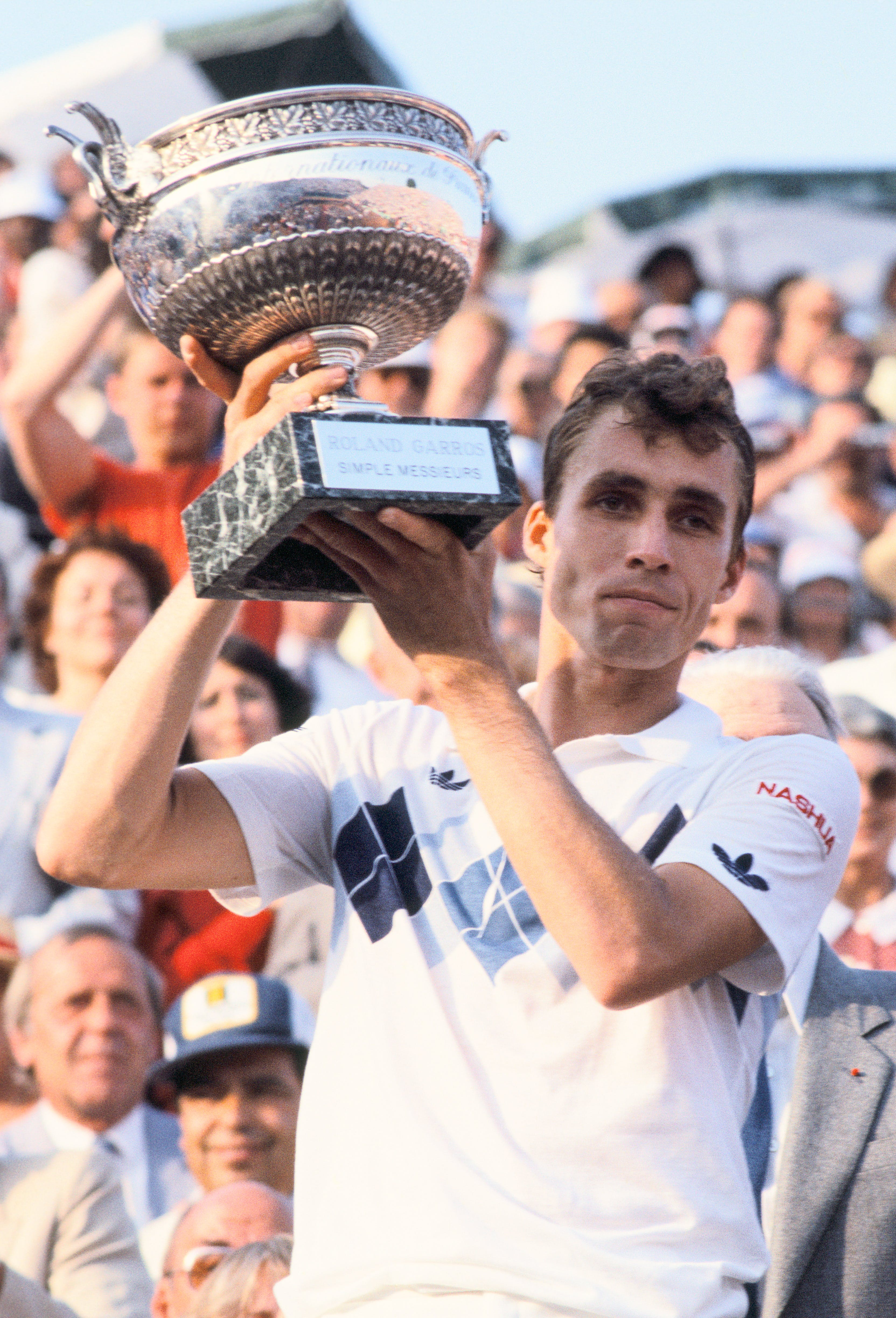 Ivan Lendl with the trophy after the final at Roland-Garros 1984