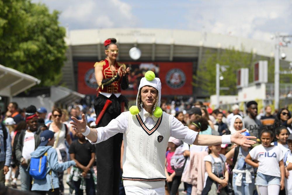 Roland-Garros 2019 - Les Allées - jongleur