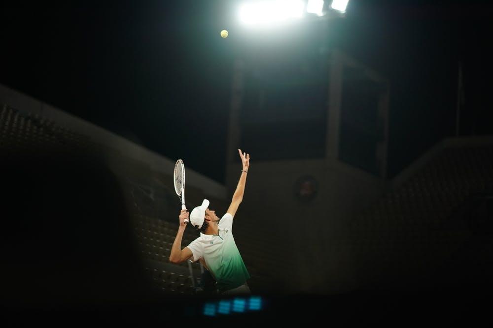 Daniil Medvedev, Roland-Garros 2020, court Philippe-Chatrier, premier tour, nuit