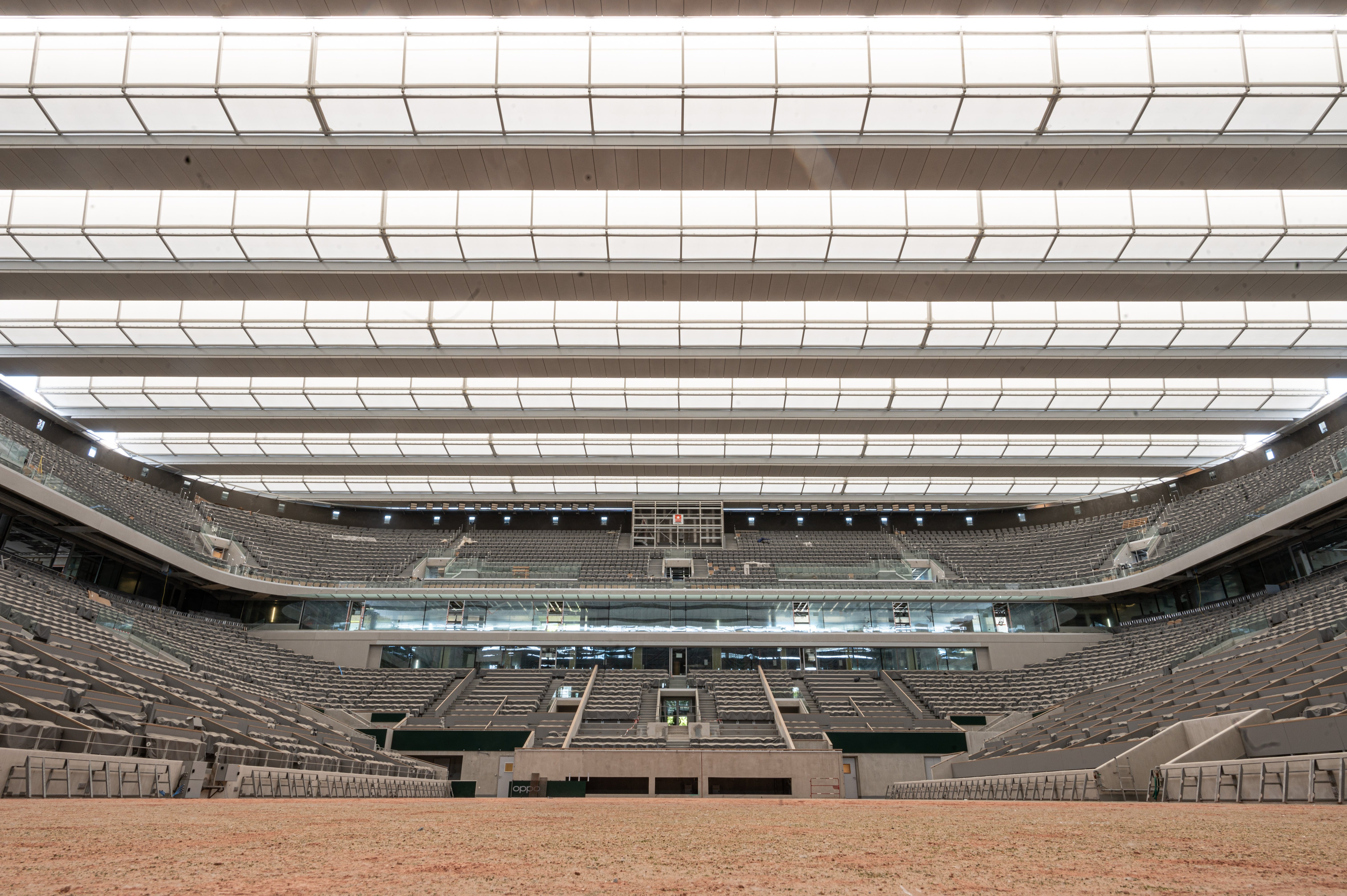 New roof of Philippe-Chatrier court at Roland-Garros