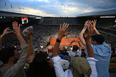 Fans, Djokovic, Berrettini, Roland Garros 2021, night session, quarter-final