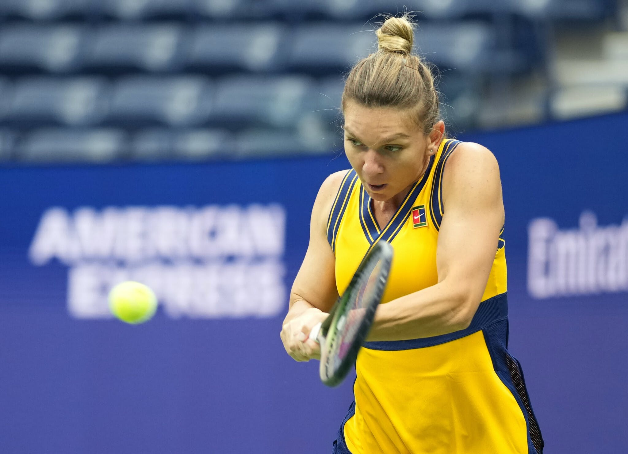 Simona Halep hitting a backhand during the 2021 US Open