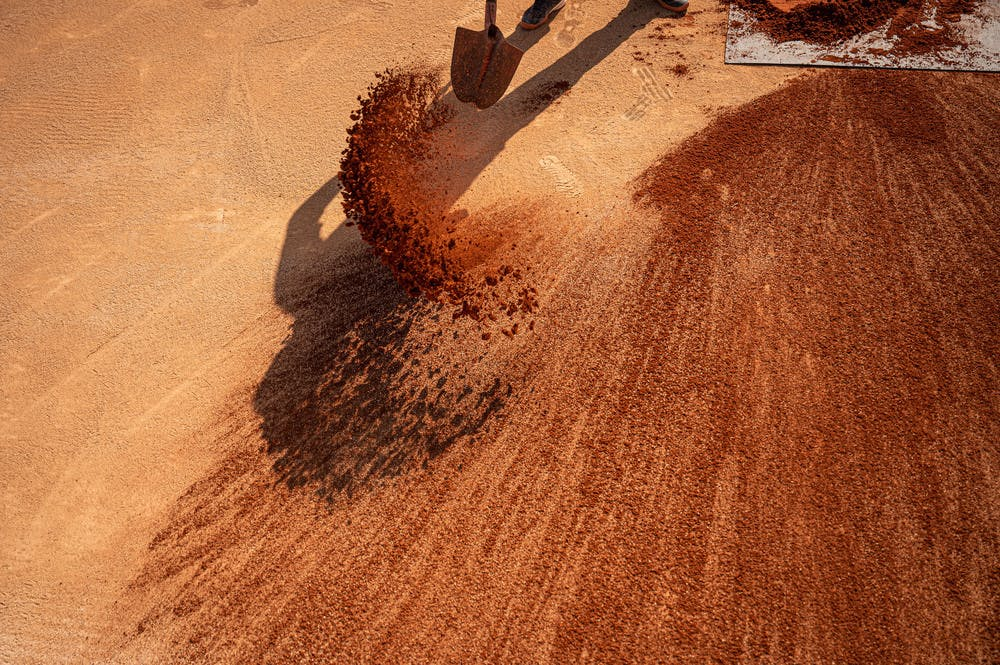 Préparation terrains clay terre battue