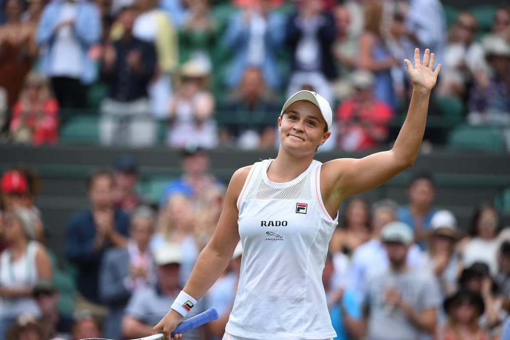 Ashleigh Barty waving at Wimbledon 2019