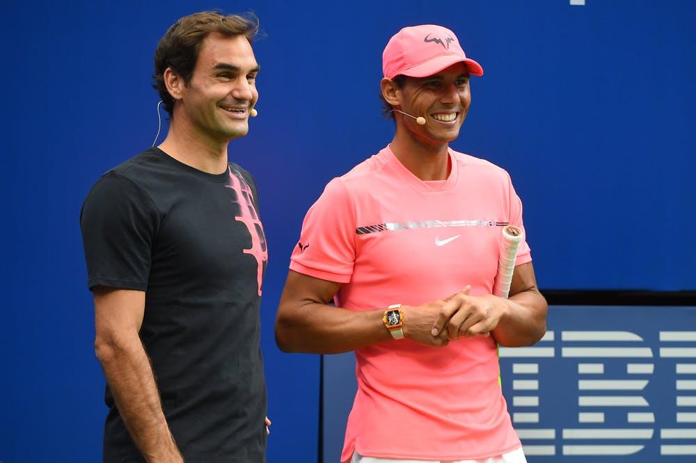 Roger Federer et Rafael Nadal en train de plaisanter à l'US Open